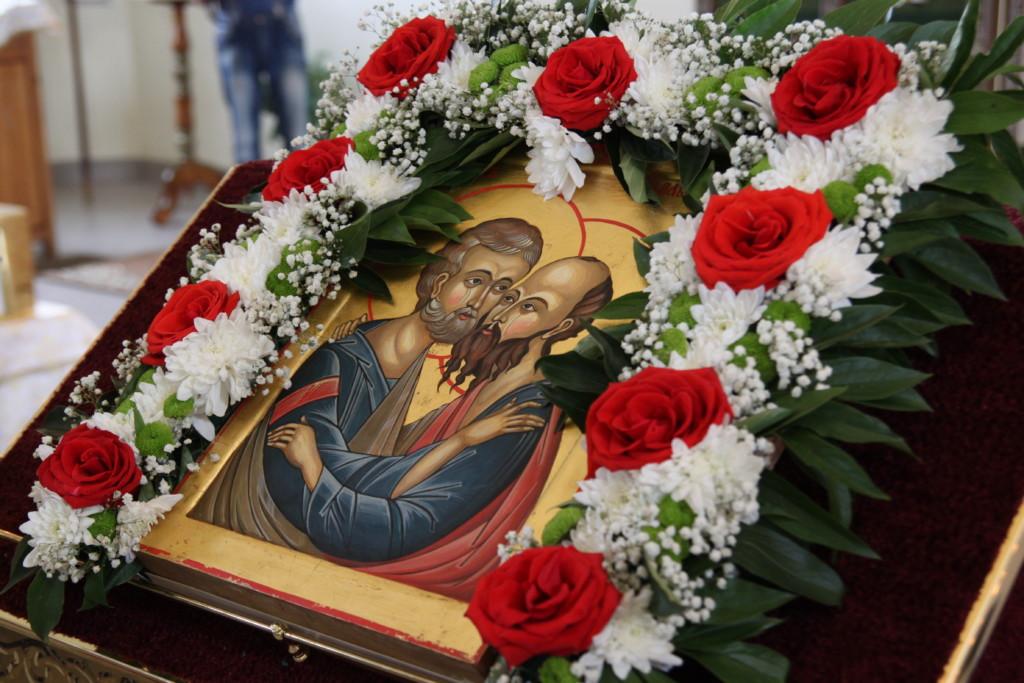 Святые первоверховные апостолы Петре и Павле молите Бога о нас!